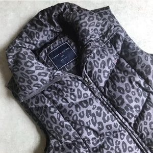 Tommy Hilfiger Animal Print Down Puffer Vest